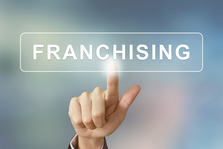 Understanding the Franchise Royalty Fee and How It's Calculated